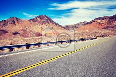 Obrazek pusta pustynna droga, koloru tonowanie stosować, podróżuje pojęcie obrazek.