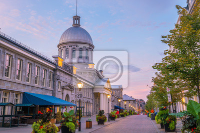 Obraz Old town Montreal at famous Cobbled streets at twilight