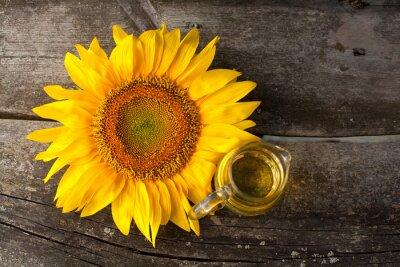 Obraz olej słonecznikowy na drewnianym stole