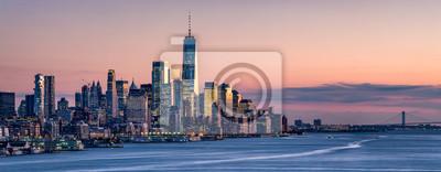 Obraz One World Trade Center and skyline of Manhattan in New York City, USA
