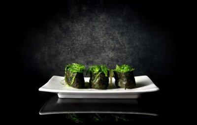 Obraz Ostre sushi z wodorostów