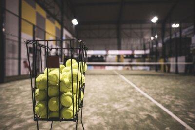 Obraz Paddle kosz tenis w sądzie z kulkami.
