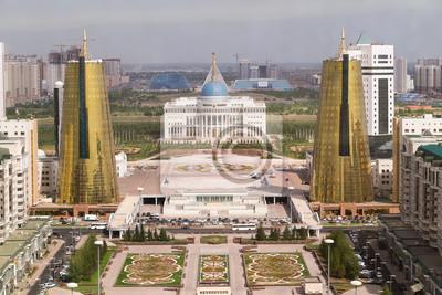 Pałac i bliźniacze wieże w dzielnicy prezydenckie, Ast govermental