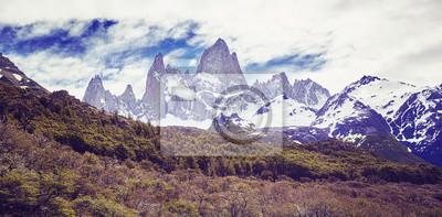 Panoramę górską Fitz Roy, kolor stonowanych obraz, Argentyna.