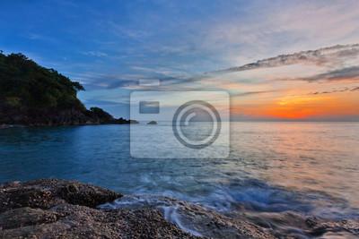 Panoramiczny widok na morze zachód słońca