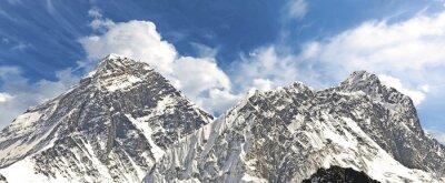 Panoramiczny widok na Mount Everest.