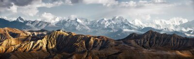 Obraz Panoramiczny widok na pasmo górskie śniegu