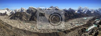 Panoramiczny widok na pasmo górskie z Everest Gokyo Ri, Nepal