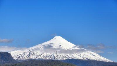 Panoramiczny widok na wulkan Villarrica, Chile.
