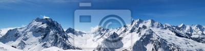 Obraz Panoramiczny widok ośnieżone szczyty górskie