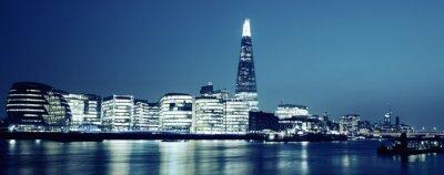 Obraz Panoramiczny widok z nowej hali London City w nocy