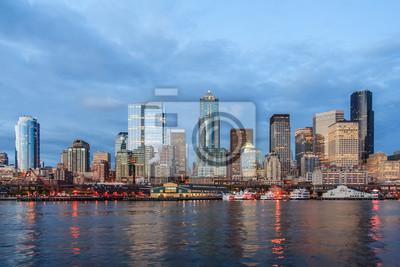 Panoramiczny widok z Seattle Downtown od Puget Sound