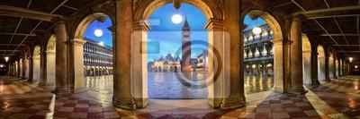 Piazza San Marco korytarza nocy panoramy widok