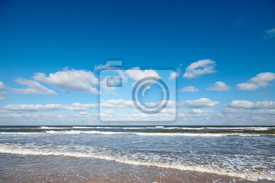 Picture of a seascape on a sunny day.