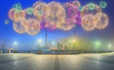 Piękna noc pejzaż Szanghaju z światła miasta na rzece Huangpu, Szanghaj, Chiny