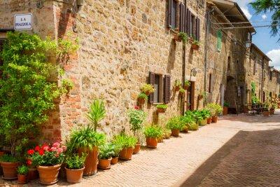 Obraz Pięknie urządzone ulica na starym mieście we Włoszech