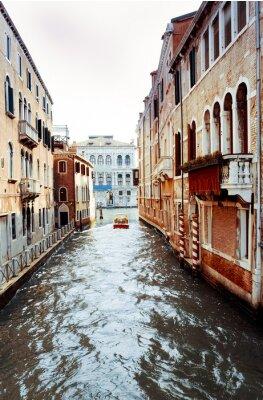 Obraz Piękny widok z ulicy wody i stare budynki w Wenecji