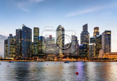 Piękny wieczór widok Marina zatoka i śródmieście Singapur