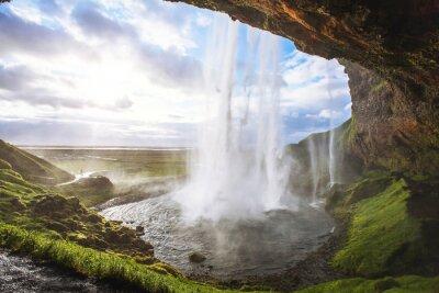 Obraz piękny wodospad o zachodzie słońca