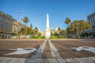 Piramide de Mayo w Buenos Aires w Argentynie.