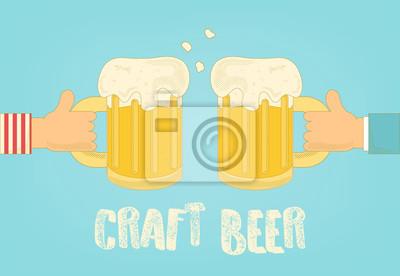 Plakietka piwa. Dwie ręce trzyma kubki. Ilustracji wektorowych.