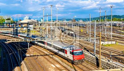 Pociąg na Basel SBB