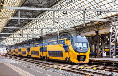 Pociąg na stacji Amsterdam Centraal