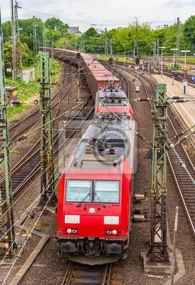 Pociąg towarowy na stacji Hauptbahnhof Hamburg - Niemcy