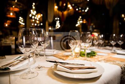 Obraz Podany stół obiadowy. Wnętrze restauracji