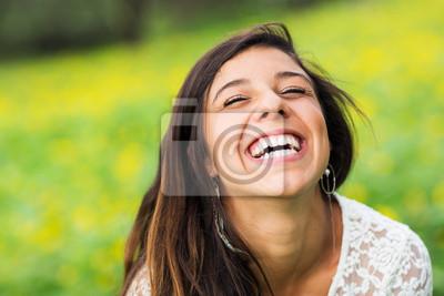 Obraz portret pięknej młodej kobiety brunetka
