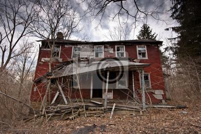Porzucone Red Farm House