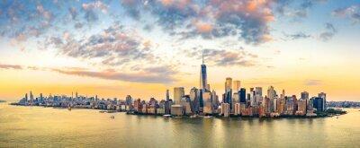 Obraz Powietrzna panorama Nowy Jork linia horyzontu przy zmierzchem z śródmieściem i śródmieściem Manhattan