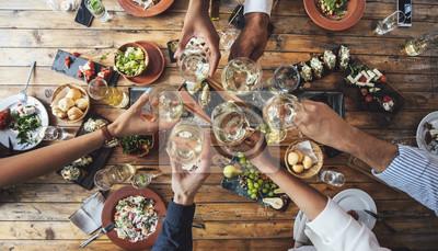 Obraz Przyjaciele opiekania na kolacji