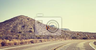 Pustynna droga kolei, kolor stonowanych obraz panoramiczny, koncepcja podróży, USA.