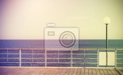 Retro filtrowane zdjęcie molo,