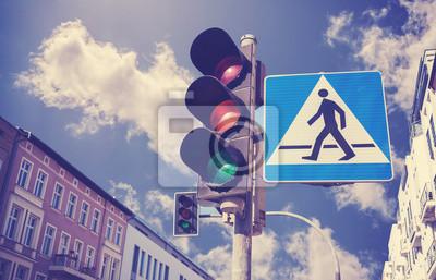 Retro filtrowane zdjęcie światłach i przejścia dla pieszych s