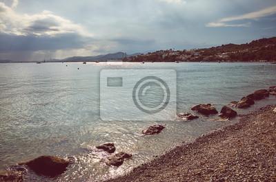 Retro stonowany obrazek plaża przy zmierzchem, Mallorca.