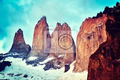 Retro stonowany zakończenie up obrazek Torres Del Paine rockowa formacja, Patagonia, Chile.