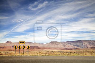 Retro stonowanych zdjęcie znaków drogowych, wybór koncepcji.