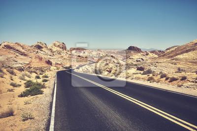 Retro stylizowany obrazek pustyni droga, podróży pojęcie.