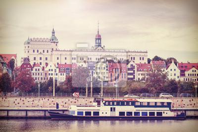 Retro zdjęcie Szczecin filtrowane nadrzecznej widzenia.