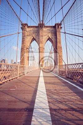 Rocznik tonował obrazek most brooklyński przy wschodem słońca, Nowy Jork, usa.