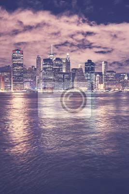 Obraz Rocznik tonująca Manhattan linia horyzontu przy nocą, Miasto Nowy Jork, usa.
