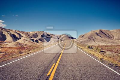 Rocznik tonujący obrazek opustoszała droga, podróży pojęcie, usa.
