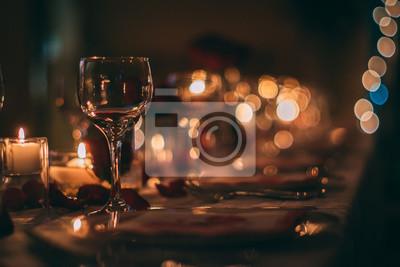 Obraz Romantyczny kieliszek do wina ze świecami