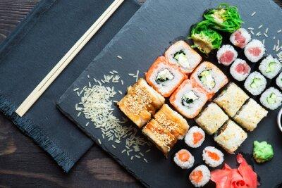 Obraz Różne rodzaje sushi