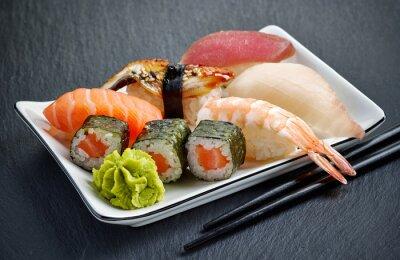 Obraz różne sushi