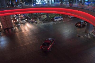 Ruch nocny / Widok transportu systemu w nocy.