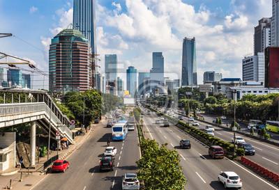 Ruch w dzielnicy biznesowej Dżakarty w Indonezji stolicy