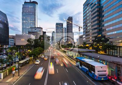 Ruch w pośpiechu dzielnicy biznesowej Dżakarty w Indonezji stolicy